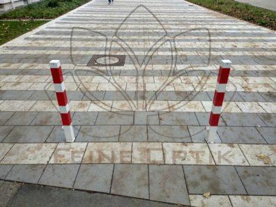 Laubflecken auf dem neuen Pflaster in der Dortmunder Nordstadt
